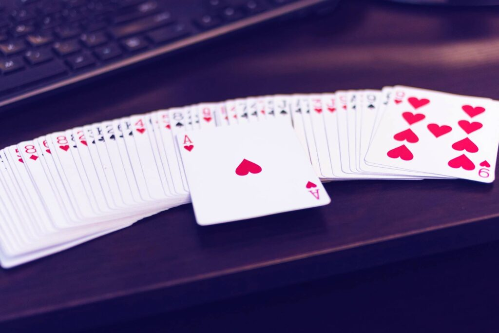 hearts-card-game-1024x683