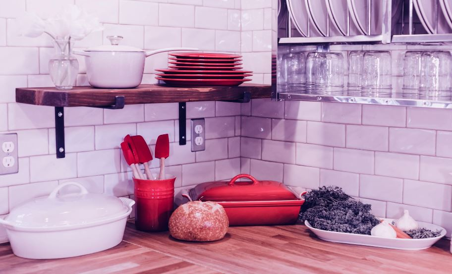 basic essential cookware